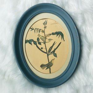 Vintage circular bird framed photo 🦜🦜